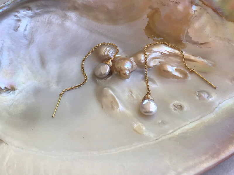 Perla threader, threader earring, pearl earring, freshwater pearls, June birthstone, gold filled earrings, sterling silver earring.