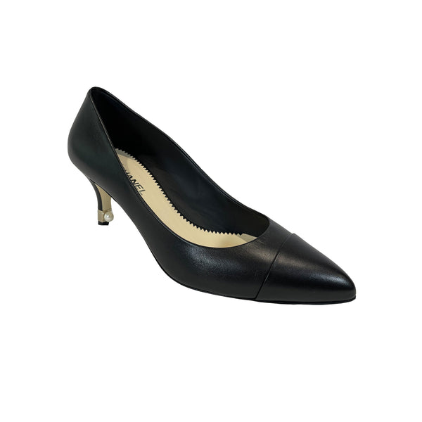 pre-owned chanel black leather pumps | Size 37.5