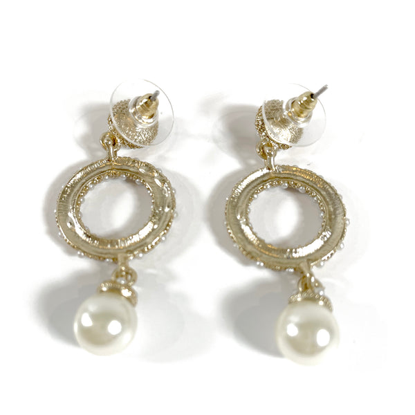 Chanel gold pearl round earrings