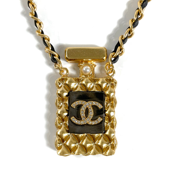 second hand Chanel no5 perfume bottle pearl necklace