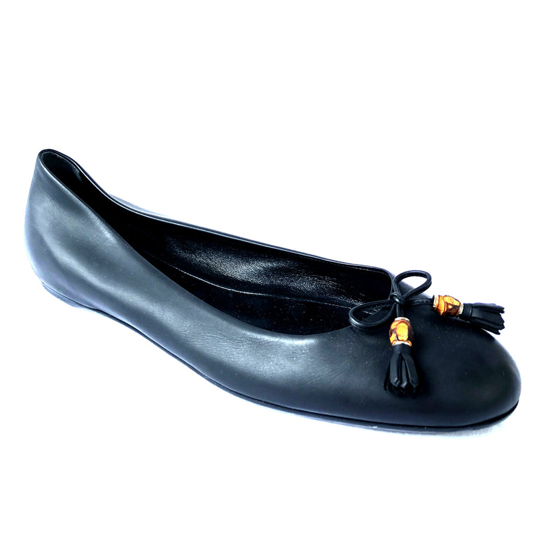 GUCCI black leather ballerinas with a front bow