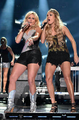 Miranda Lambert & Carrie Underwood wearing a Pink Pewter headband.