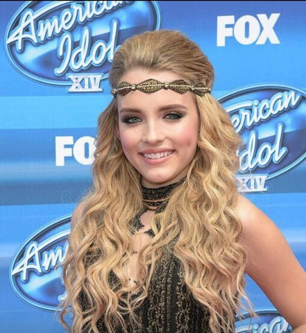 American Idol's Maddie Walker wearing a Pink Pewter headband.
