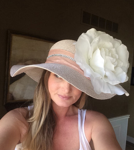 Equestrianista on how to create your own Kentucky Derby hat.