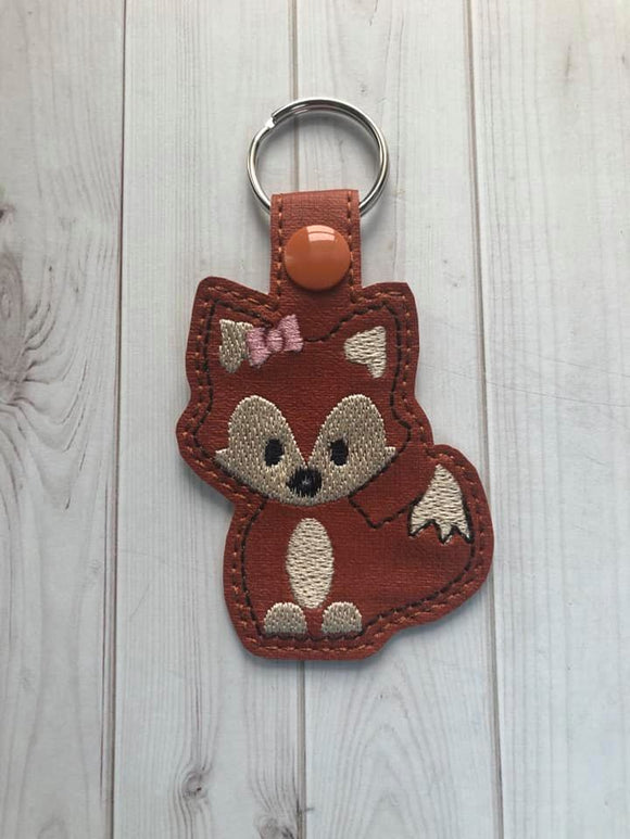 ITH Digital Embroidery Pattern for Lil Girl Fox Snap Tab / Key Chain, 4X4 Hoop