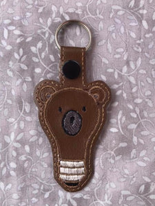 ITH Digital Embroidery Pattern for Bear Bulb Snap Tab / Key Chain, 4X4 Hoop
