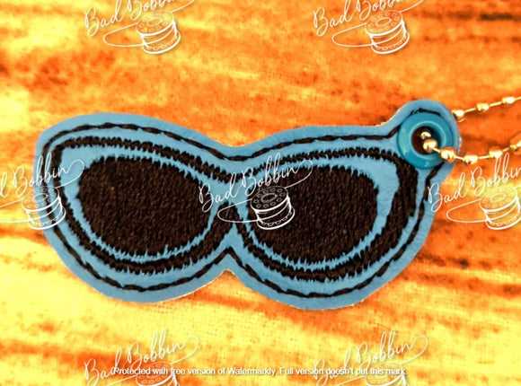 ITH Digital Embroidery Pattern For Avs Sun Glasses Zipper Pull, 4X4 Hoop