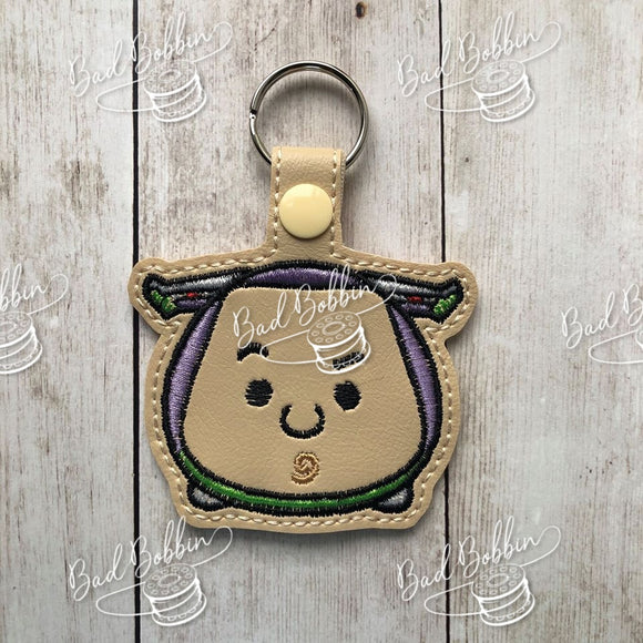ITH Digital Embroidery Pattern for T-sum Buzz Snap Tab/Key Chain, 4X4 Hoop