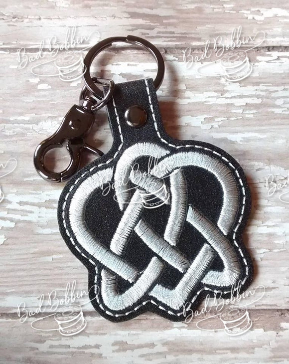 ITH Digital Embroidery Patter for Triquetra Heart II Snap Tab / Key Chain, 4X4 Hoop