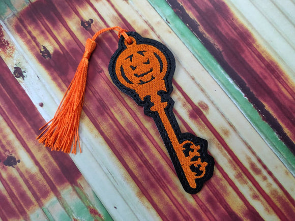 ITH Digital Embroidery Pattern for Pumpkin Key Bookmark, 4X4 Hoop
