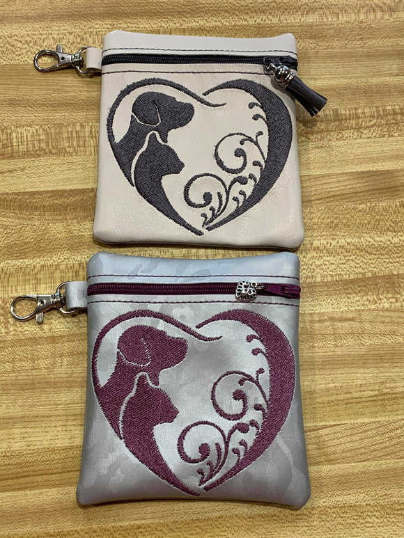 ITH Digital Embroidery Pattern for Dog Cat Heart Swirl Cash Card Tall 4.5 X 5 Zip Pouch, 5X7 Hoop