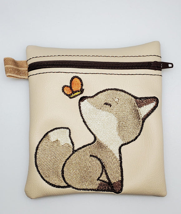 ITH Digital Embroidery Pattern for Lil Fox Cash Card Tall 4.5 X 5 Zipper Pouch, 5X7 Hoop