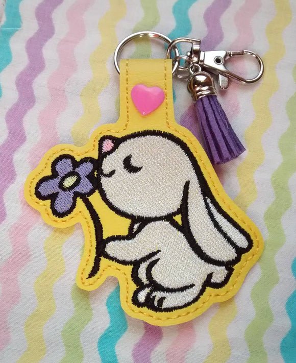 ITH Digital Embroidery Pattern for Bunny Smelling Flower Snap Tab / Keychain, 4X4 Hoop