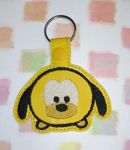 ITH Digital Embroidery Pattern for T-sum Yellow Dog Snap Tab / Key Chain, 4X4 Hoop