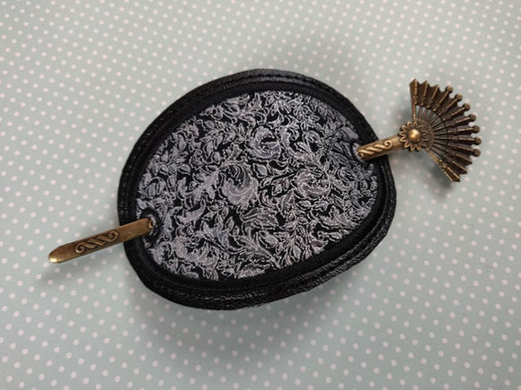 ITH Digital Embroidery Pattern For Lrg Oval Appplique Hair Bun Holder / Cover, 4X4 Hoop
