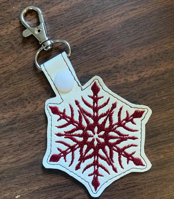 ITH Digital Embroidery Pattern For Snowflake III Snap Tab / Key Chain, 4X4 Hoop