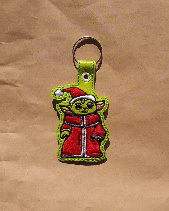 ITH Digital Embroidery Pattern Lil Green Guy Santa Snap Tab / Key Chain, 4X4 Hoop
