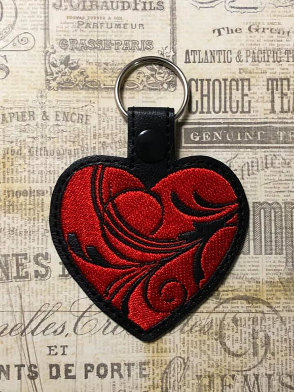 ITH Digital Embroidery Pattern for Swirl Heart Snap Tab / Key Chain, 4X4 Hoop