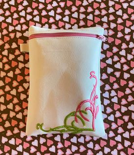 ITH DIgital Embroidery Pattern for Corner Heart 5X7 Tall Zipper Bag lined, 5X7 Hoop