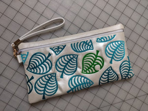ITH DIgital Embroidery Pattern For AC Leaf Switch Lined Zip Bag 6X11, 8X12 Hoop