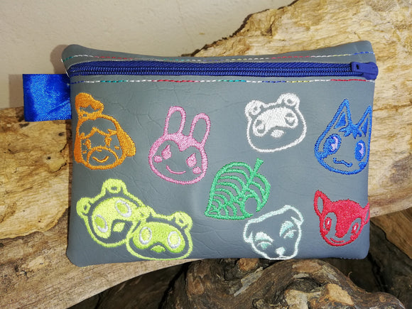 ITH Digital Embroidery Pattern for AC Character 5X7 Zipper Pouch Unlined, 5X7 Hoop
