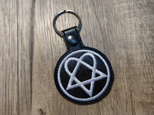 ITH Digital Embroidery Pattern for HIM Band Heartagram Snap Tab / Key Chain