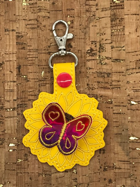 ITH Digital Embroidery Pattern for 3D Sunflower with Butterfly Snap Tab / Key Chain, 4x4 hoop
