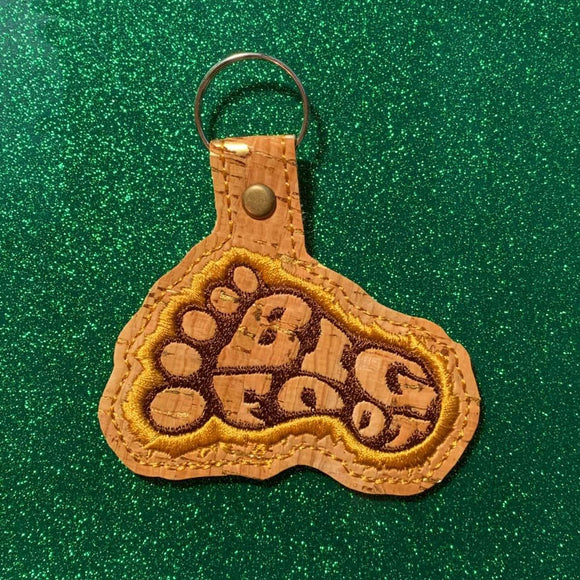 ITH Digital Embroidery Pattern for BIG Foot - Foot Snap Tab / Key Chain, 4x4 hoop