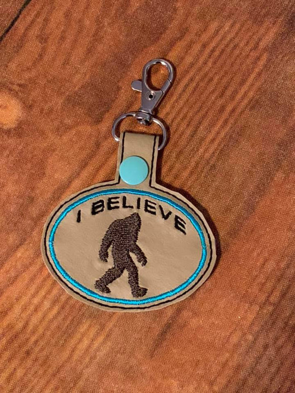 ITH Digital Embroidery Pattern for I Believe Big Foot Snap Tab / Key Chain, 4x4 hoop