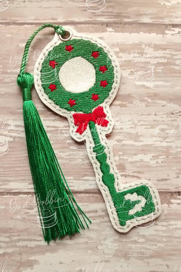 ITH Digital Embroidery Pattern for Christmas Wreath Key Bookmark, 4X4 Hoop