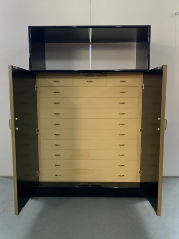 lacquer Chest open