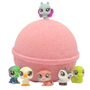 Pomegranate Natural Bath Bomb (with Littlest Pet Shop™ inside)