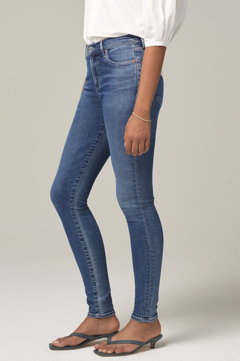 Rocket Mid Rise Skinny Fit in Story