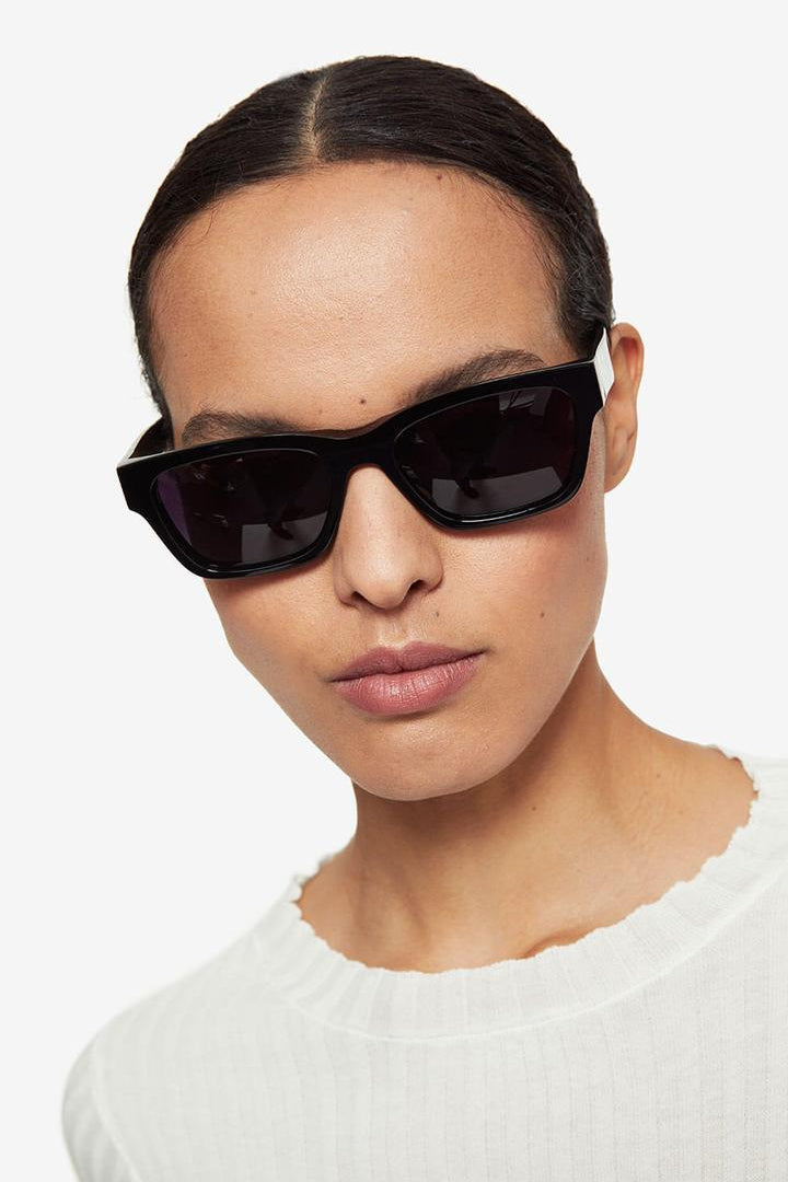 Daria Sunglasses Black