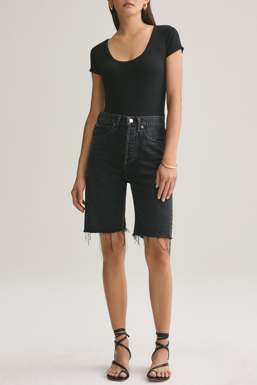 90's Mid Rise Loose Short in Fallen