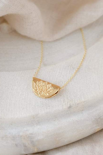 Gold Lotus Necklace Short