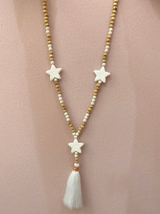 Long Necklace in White Natural