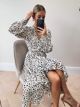 Load image into Gallery viewer, Louella Midi Wrap Dress in Cream Spot