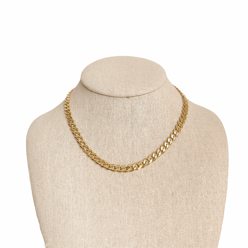 curb necklace gold on mannequin