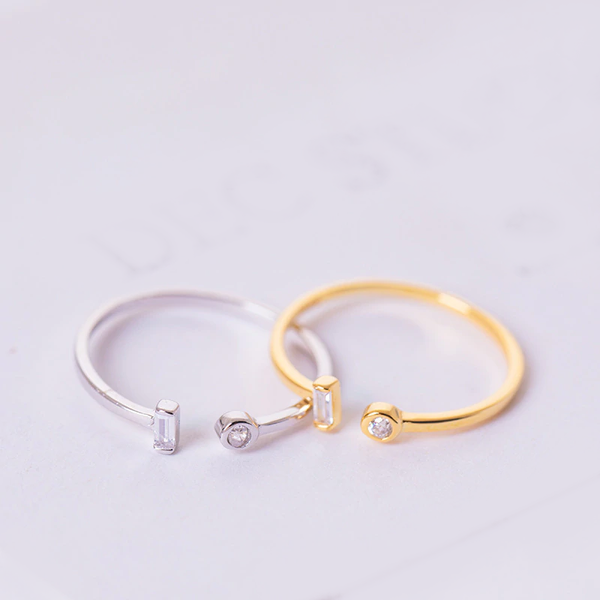 Single Asymmetric Ring -Make the difference with Galatea Effect accesories