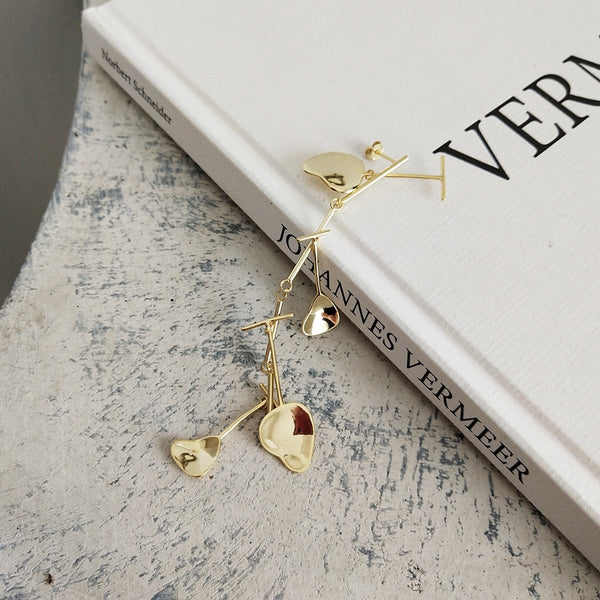 Hyperbole Stud Earring -Make the difference with Galatea Effect accesories