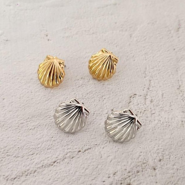 Tiny Shell Earring -Make the difference with Galatea Effect accesories