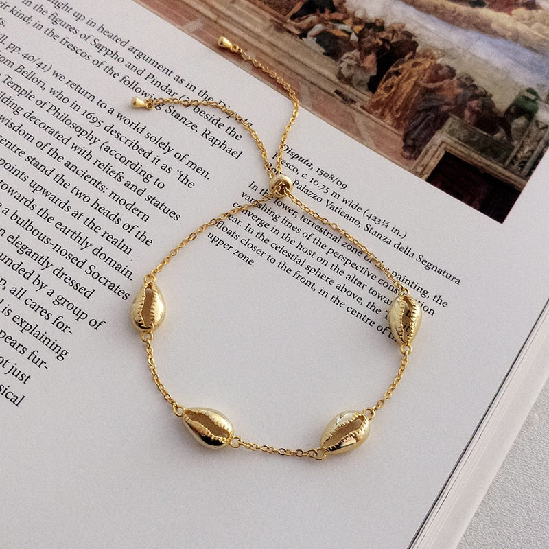 Golden Shells Bracelet -Make the difference with Galatea Effect accesories