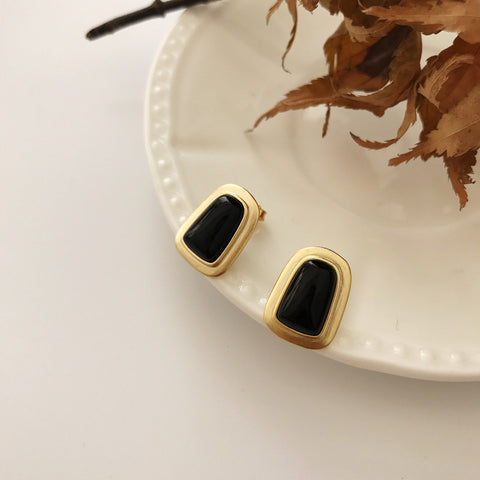 Agate Shell Golden Earrings -Make the difference with Galatea Effect accesories