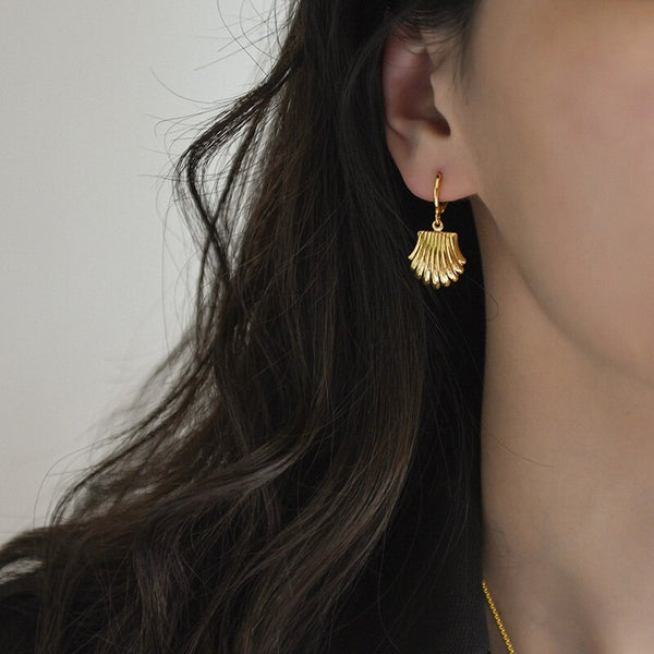 Pendant Shell Earring -Make the difference with Galatea Effect accesories
