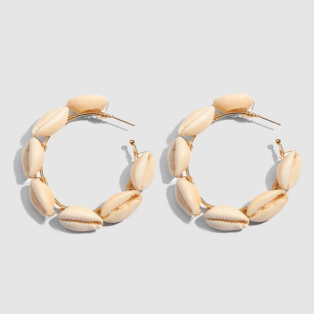 Natural Hoop Shell Earrings -Make the difference with Galatea Effect accesories