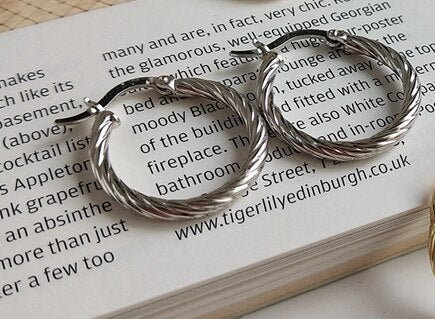 Silver Twist Hoop Earrings -Make the difference with Galatea Effect accesories