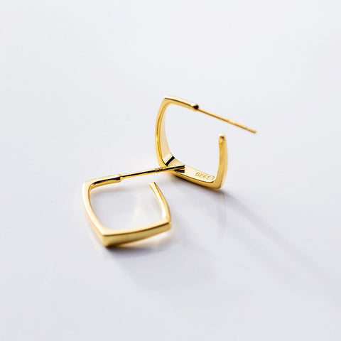 Minimalist Squared Earrings -Make the difference with Galatea Effect accesories