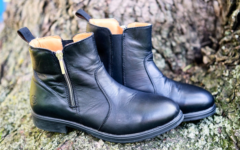 Xena Weathered Collection | Misfits | Omega EH Safety Boot in stylish black leather color