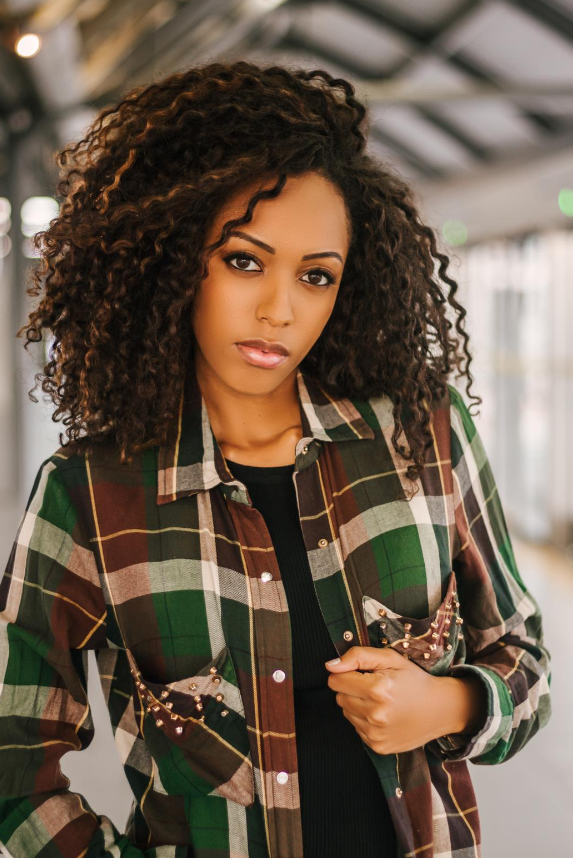 Sport shirt with check pattern